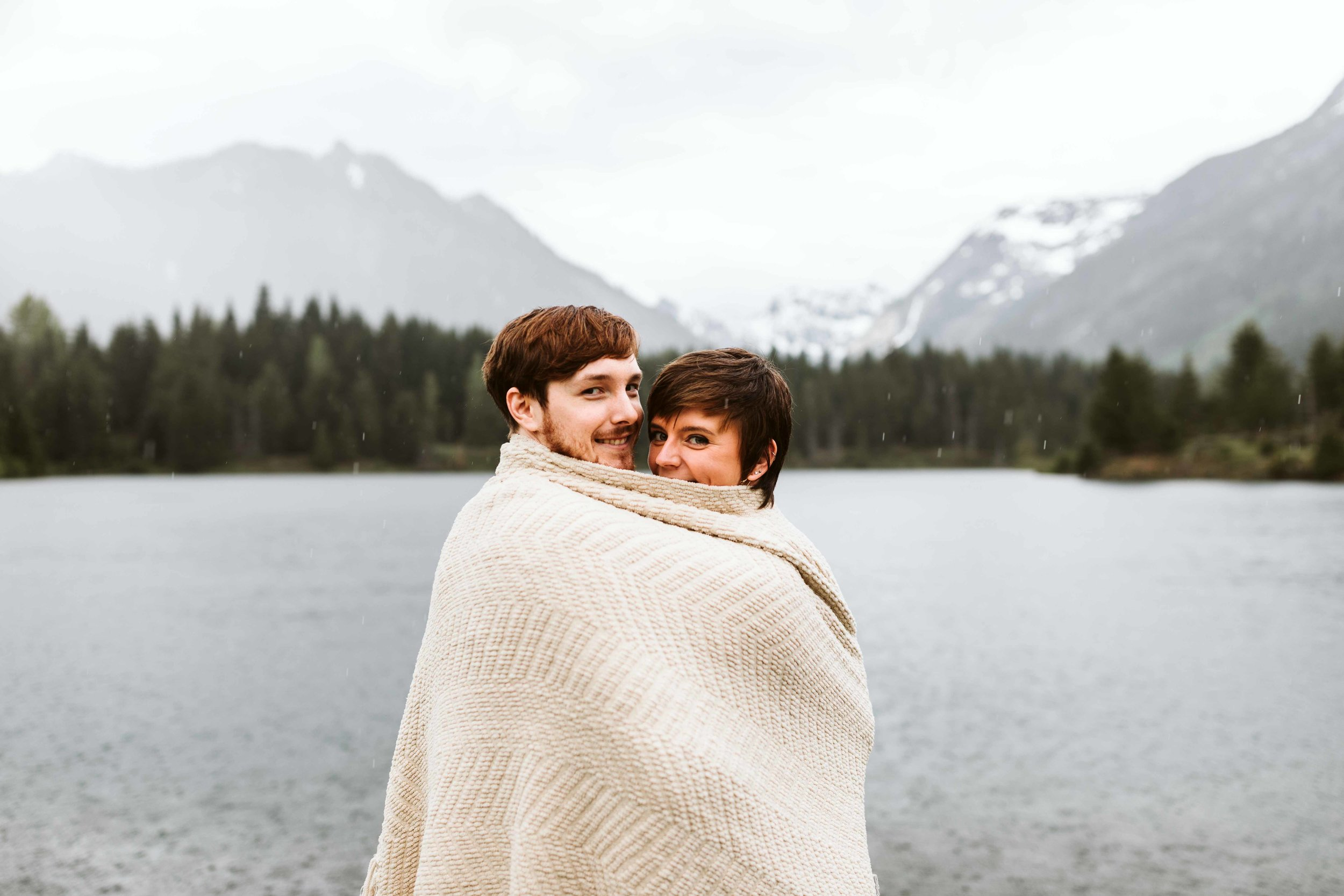 gold-creek-pond-trail-engagement-48.jpg