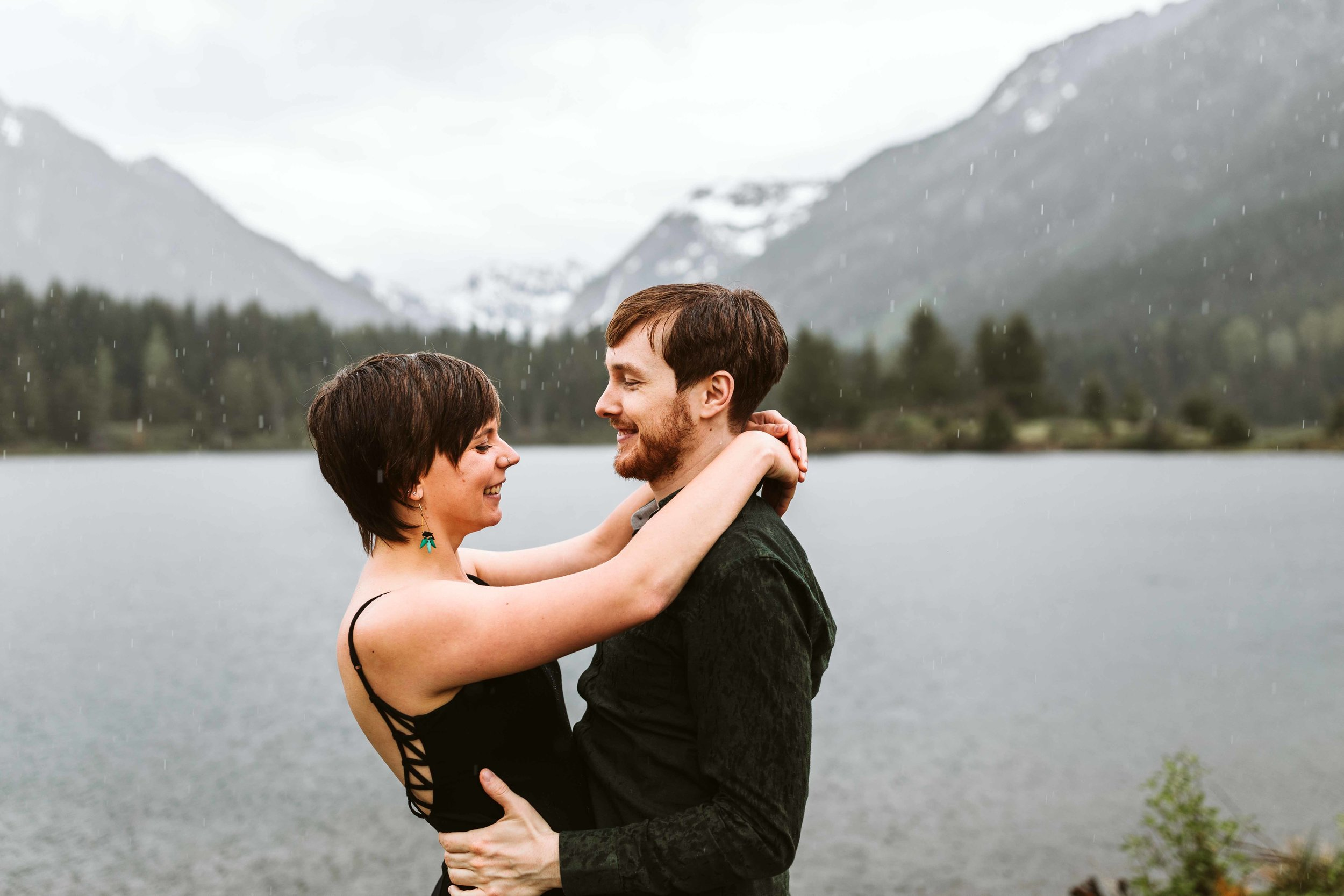 gold-creek-pond-trail-engagement-51.jpg