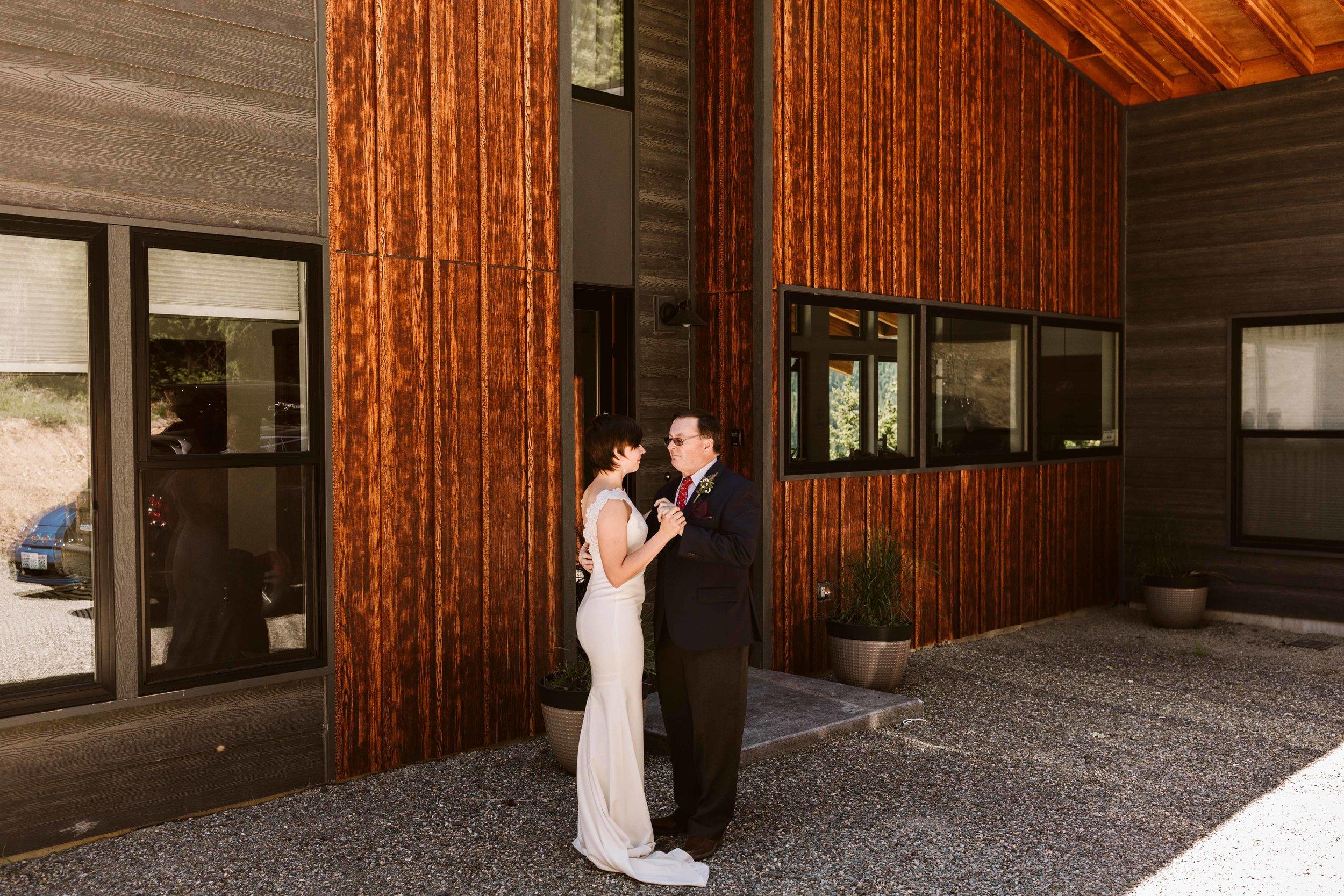 cle-elum-cabin-elopement-45.jpg