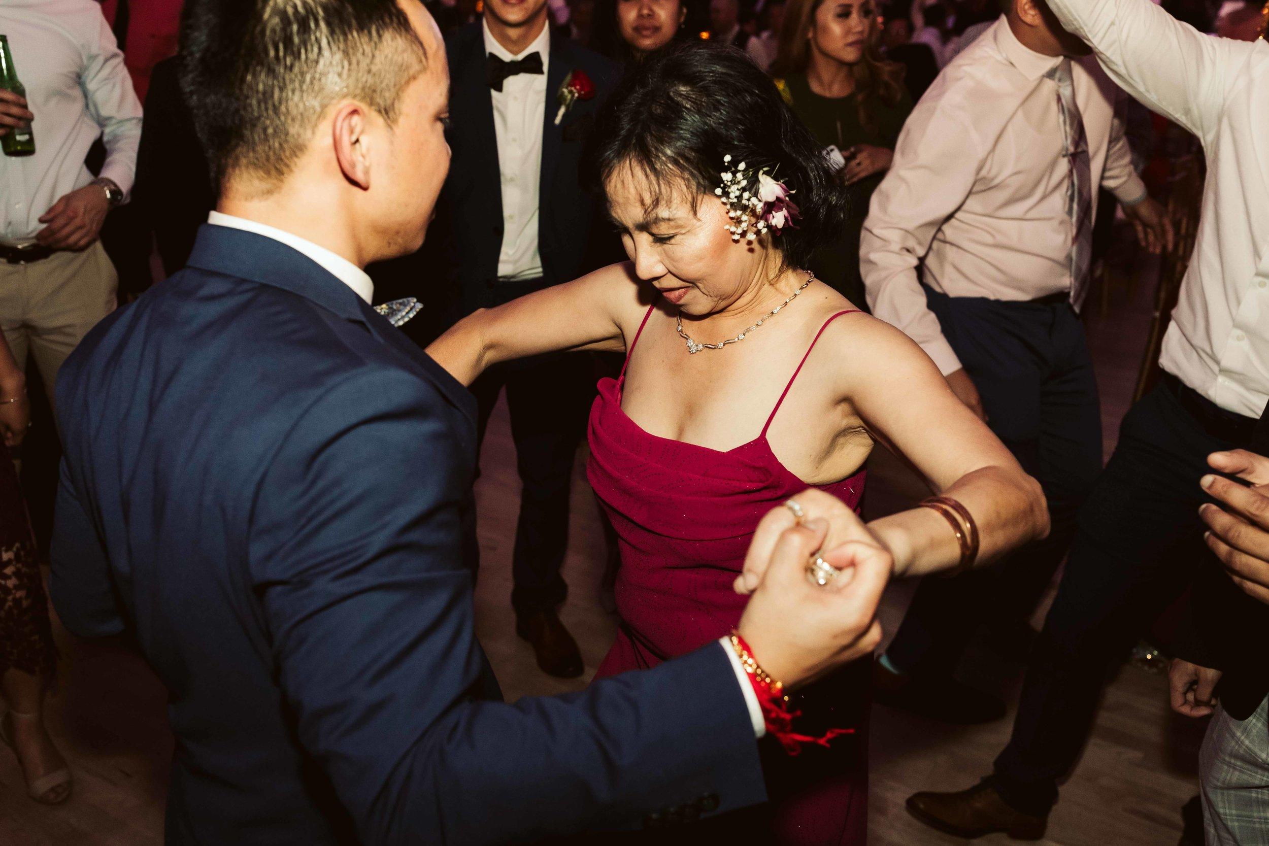 melody-ballroom-portland-wedding-112.jpg