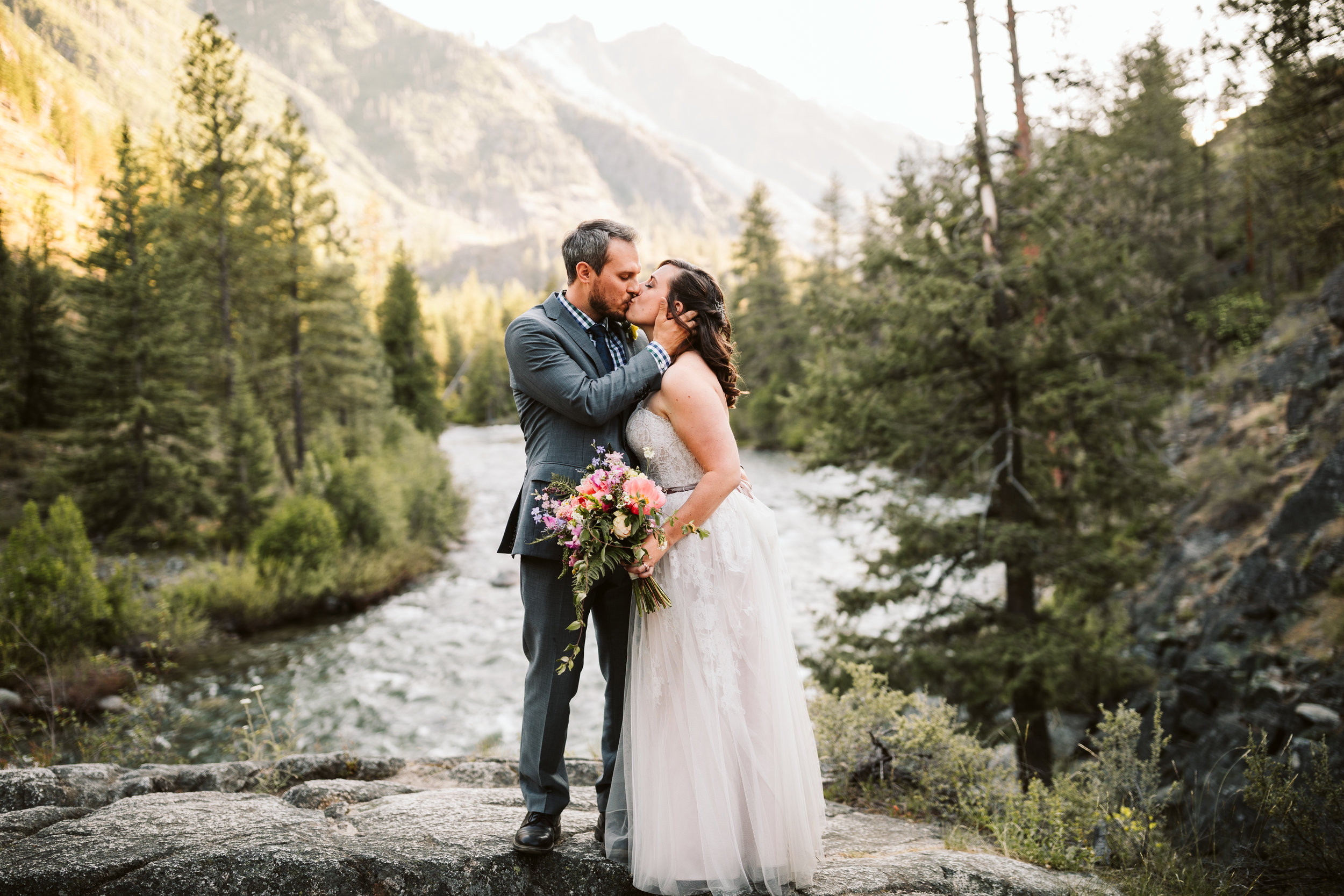 Apple Brides Magazine - Mountaintop Resort Wedding In Leavenworth, WA