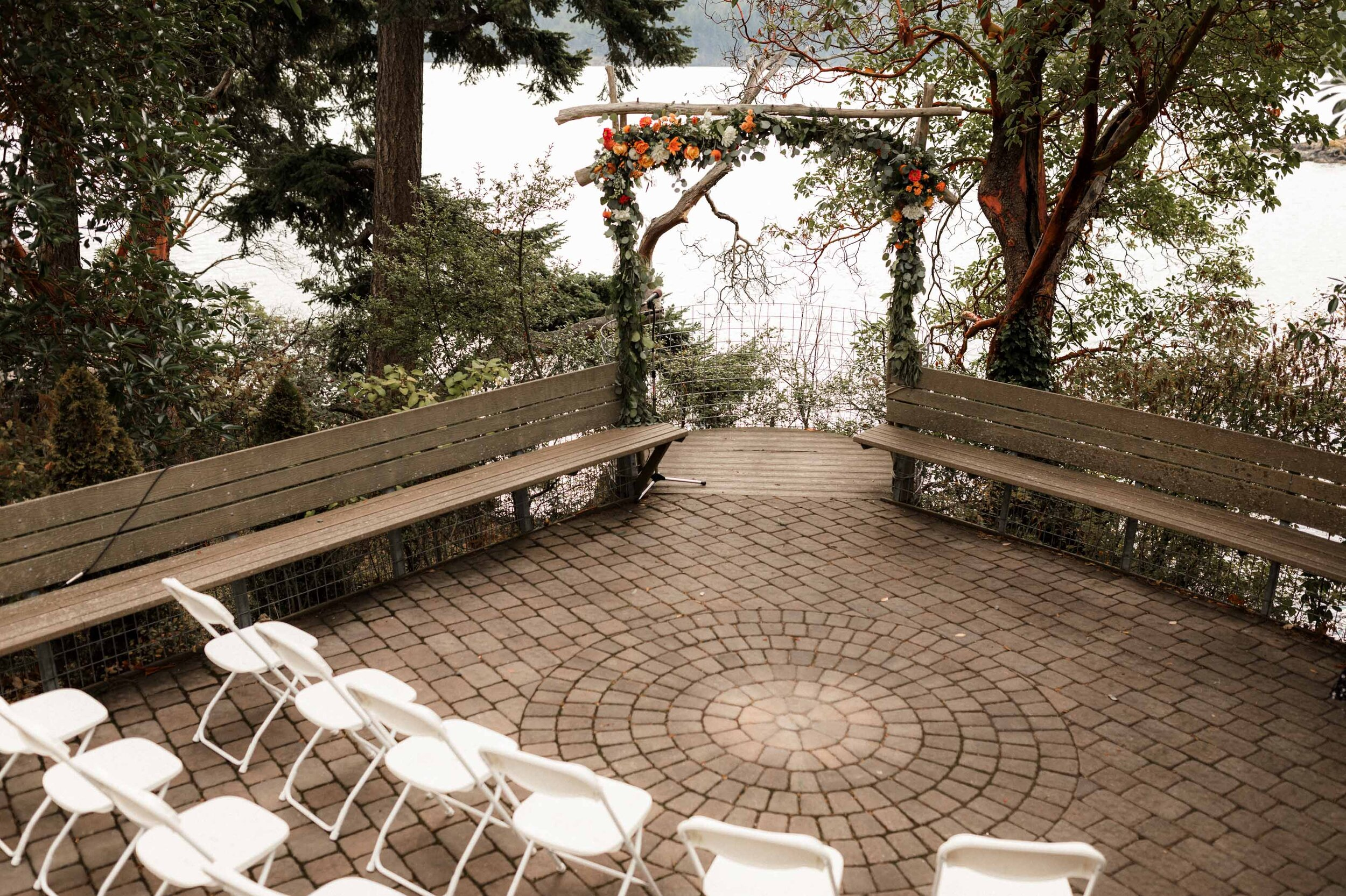 Odd Fellows Hall / Orcas Island Wedding
