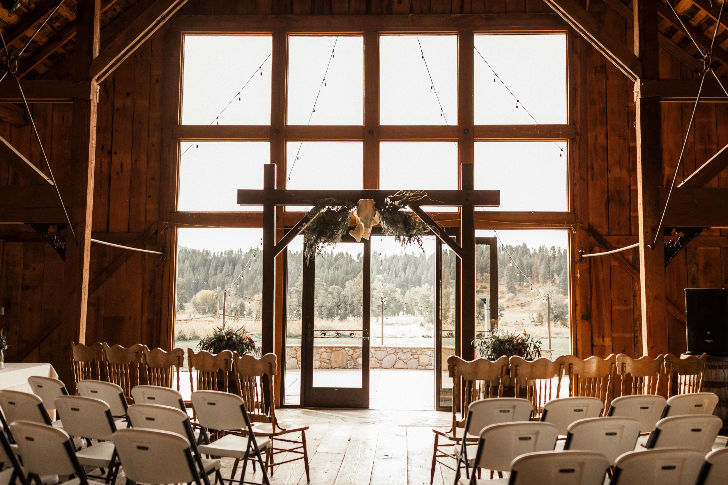 the-cattle-barn-wedding-17.jpg