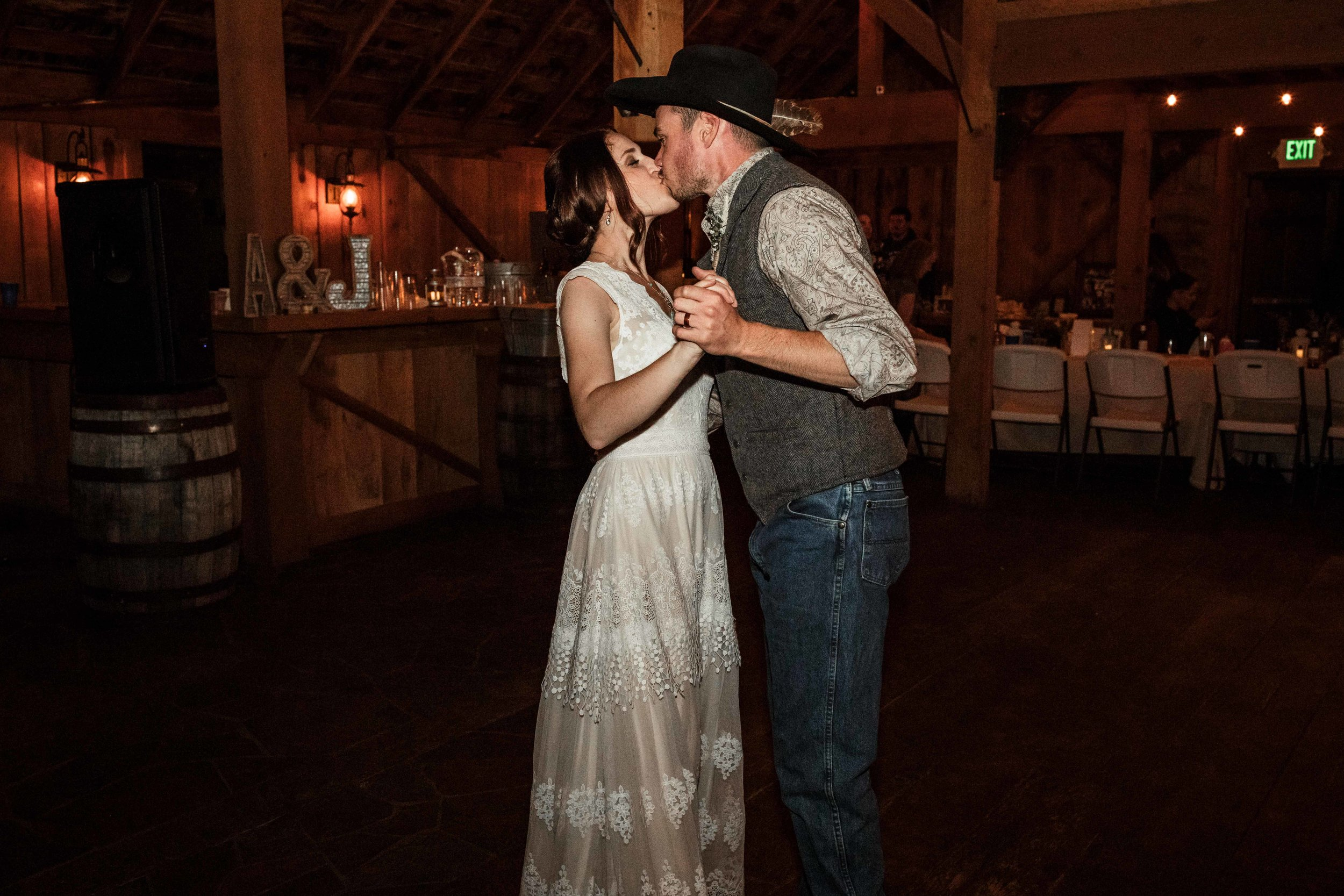 the-cattle-barn-wedding-93.jpg