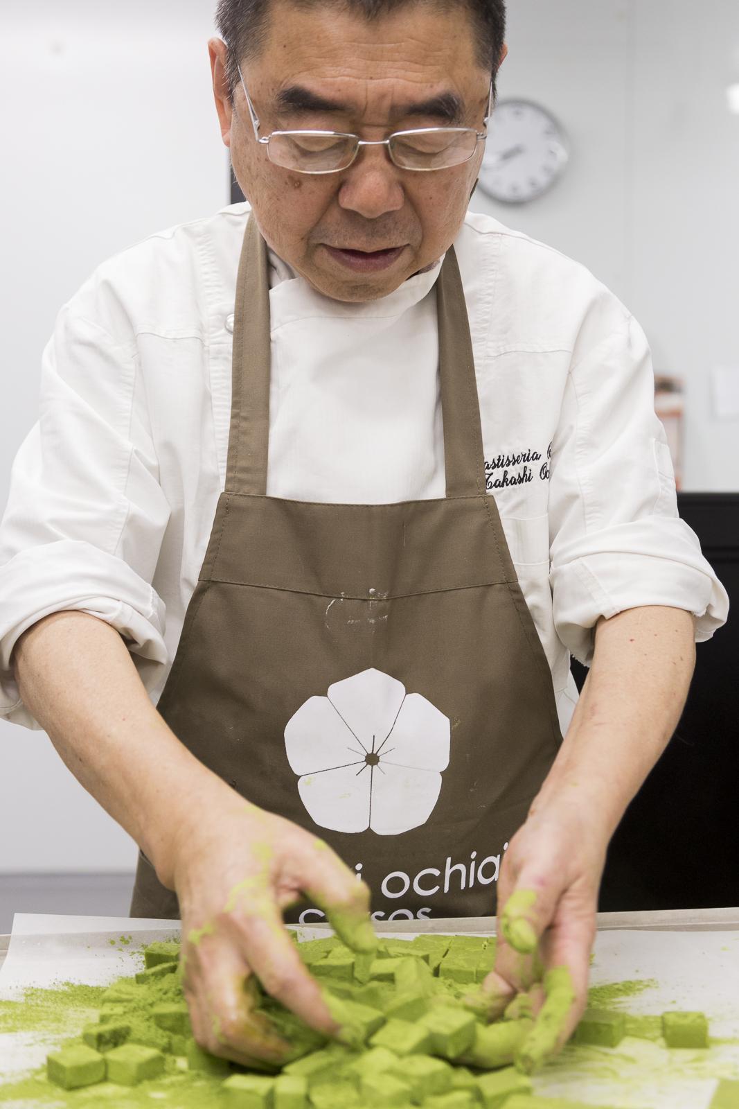 Takashi Ochiai en el curso de tématcha