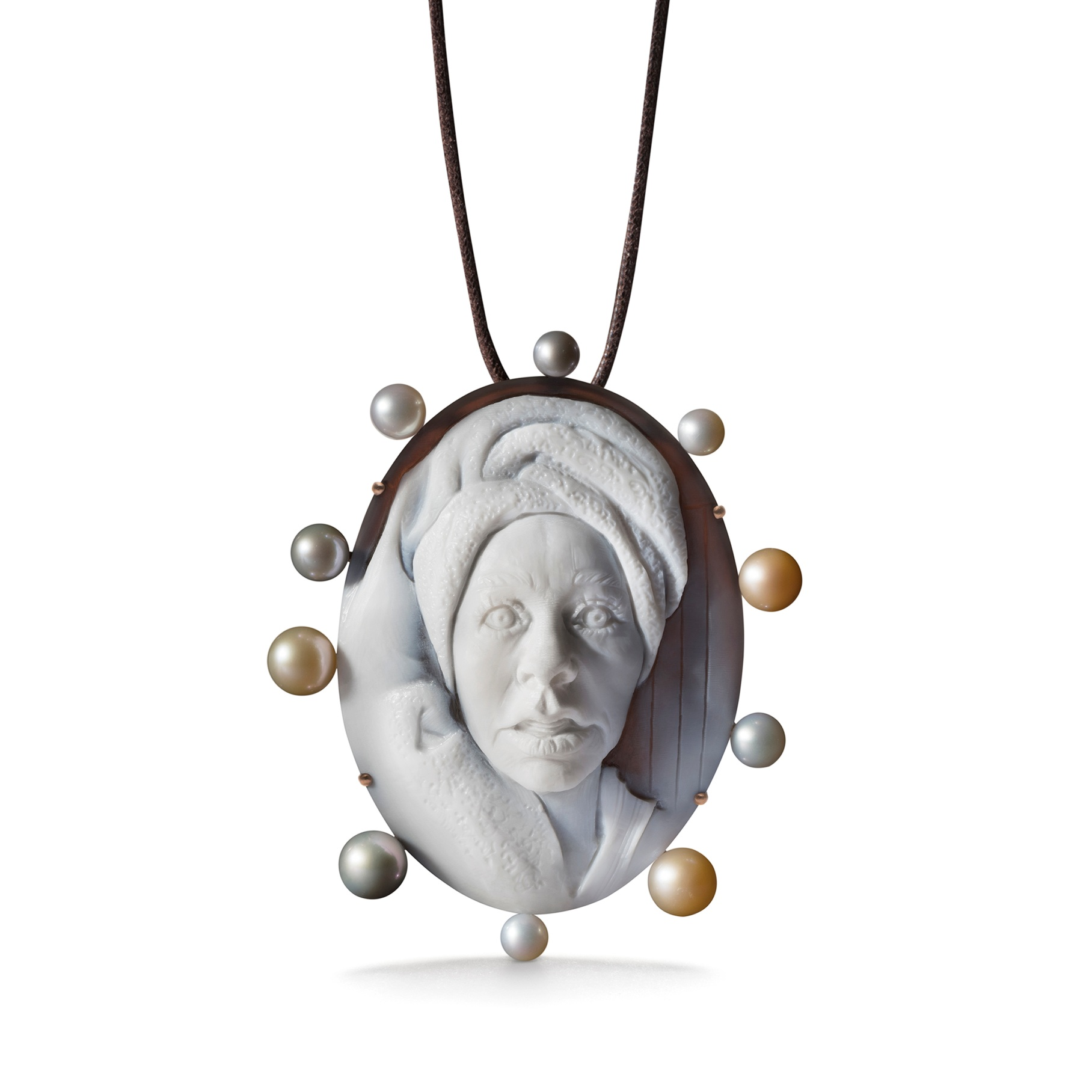 Cindy_Sherman_Necklace_Brooch.jpg