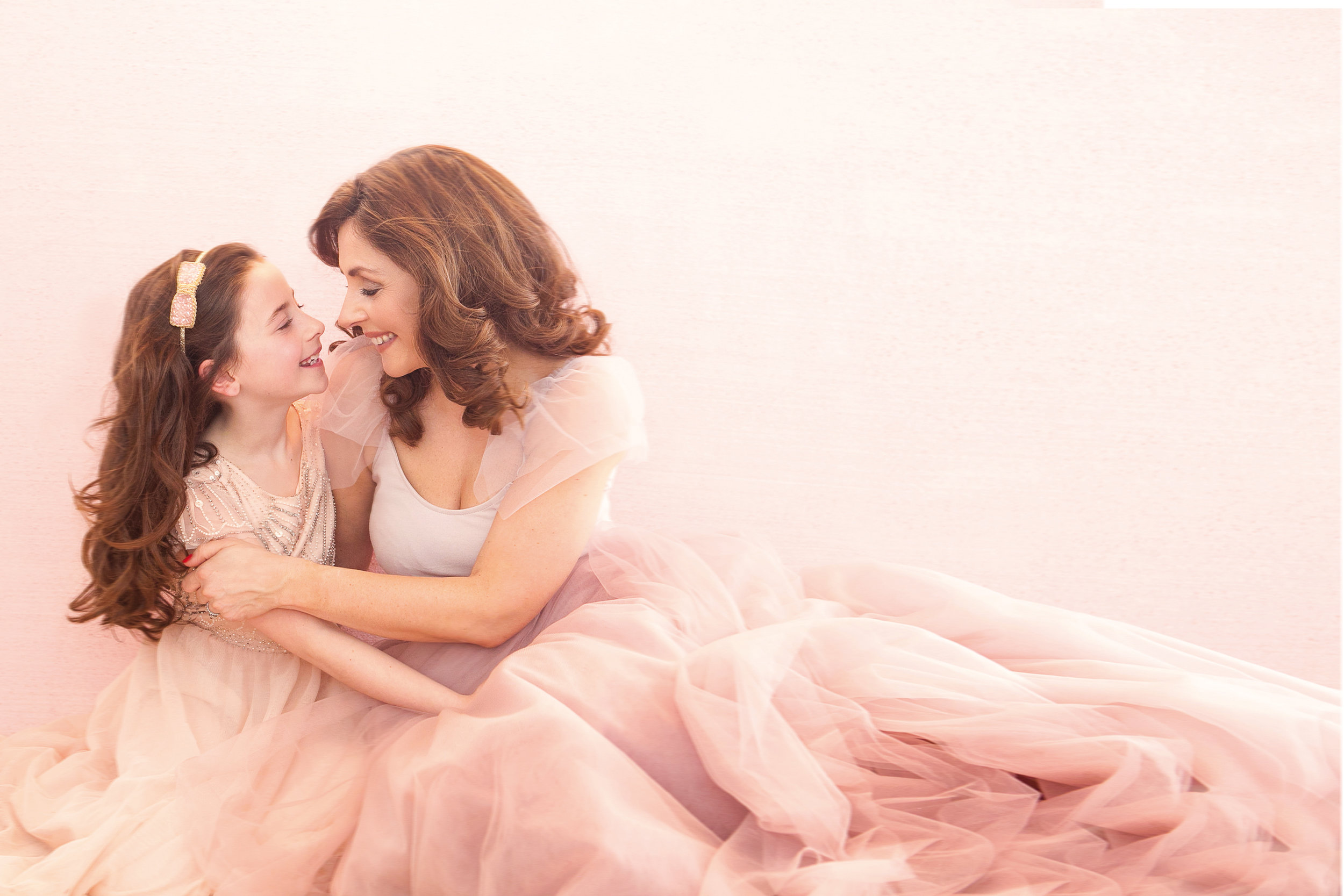 mother_daughter_photo_shoot_windsor_photographer.jpg