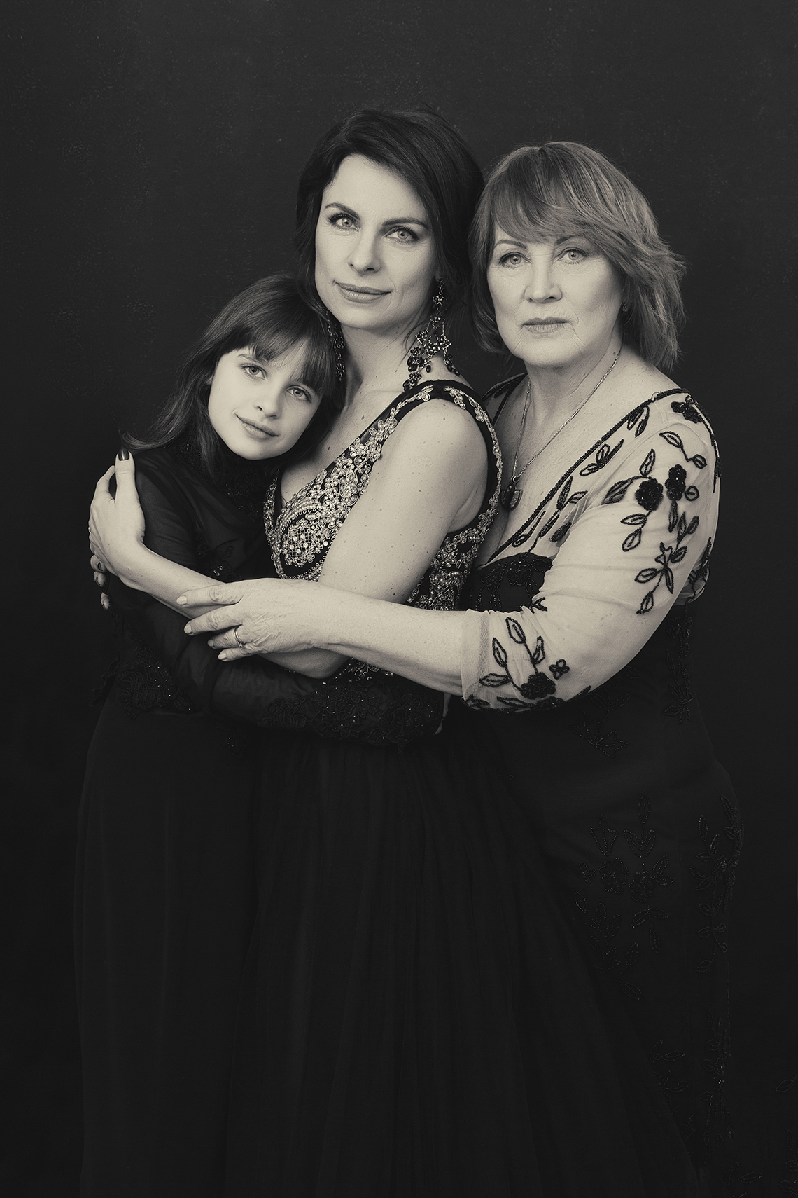 threegenerations_lenkajones_photographer_windsor.jpg