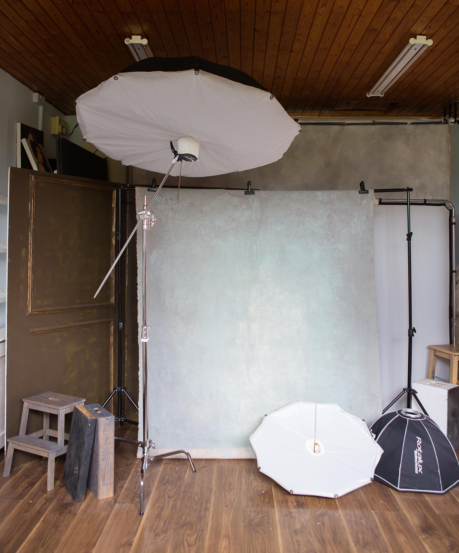 2lenkajones_studio_backdrops and lights.jpg