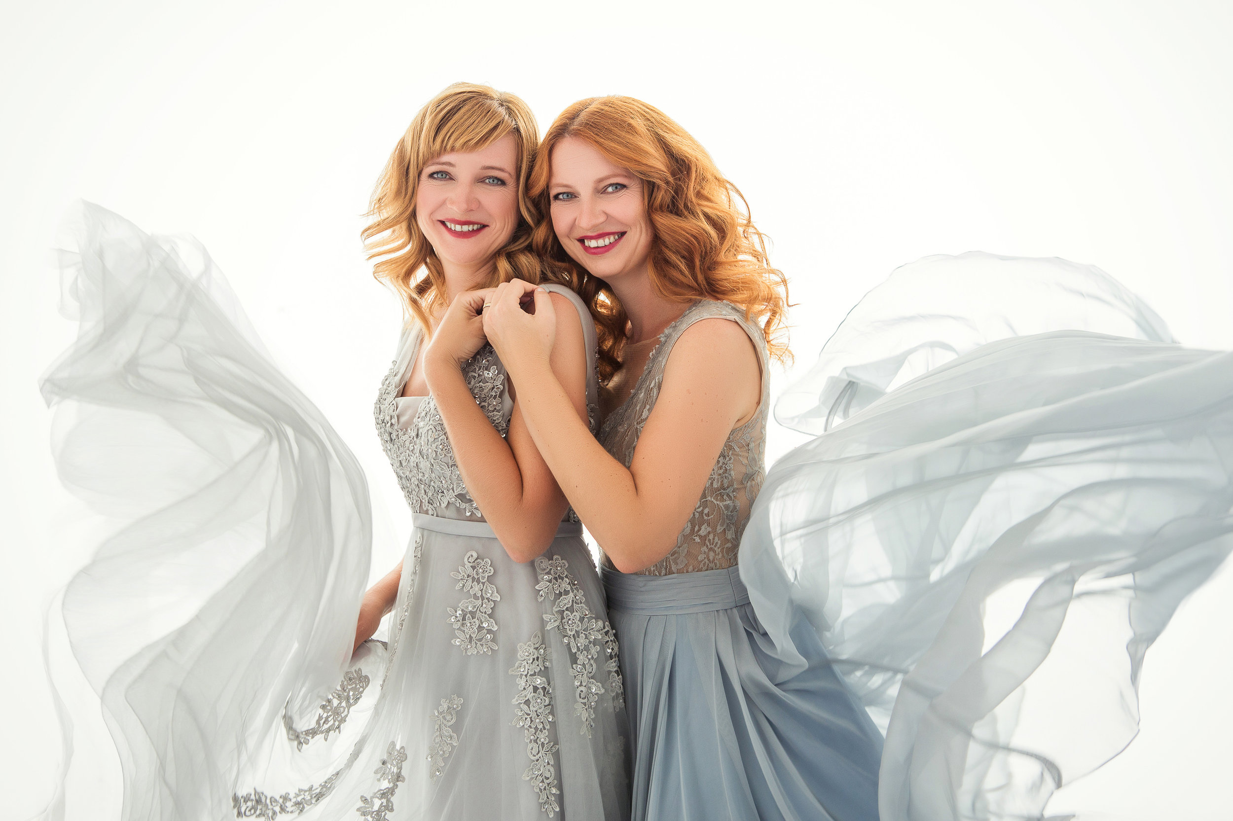 windsor_photographer_london_portrait_studio_suebryceeducation_sisters.jpg