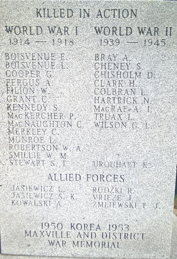 maxville cenotaph_2.jpg