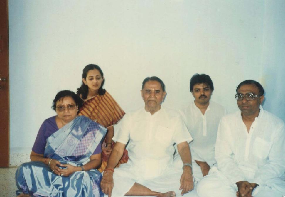 Bapuji with Bhaishree Gurumaa minalben vikrambhai.jpg