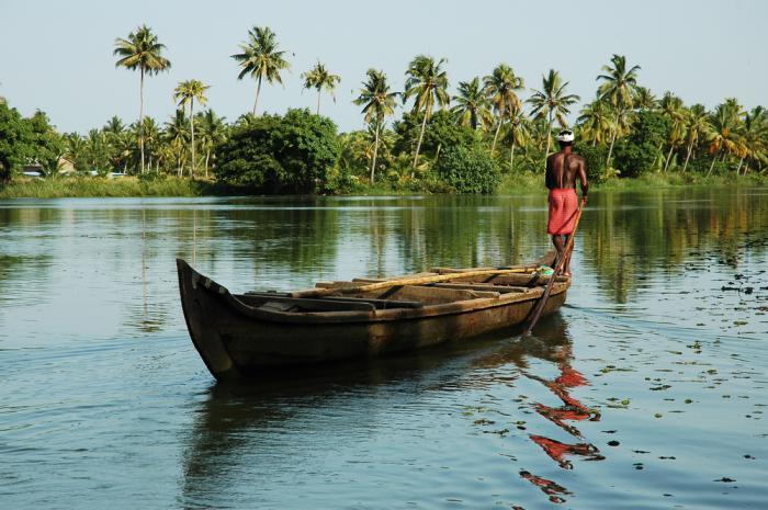 Boat Kerala India_20090303103144.jpg