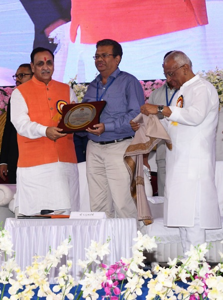 Dr Vidhyut Shah - Opthalmic Surgeon at the Eye Hospital