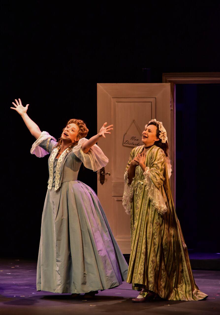 Il martimonio segreto (SCENE), Santa Fe Opera, 2017, Bobby Gutierrez