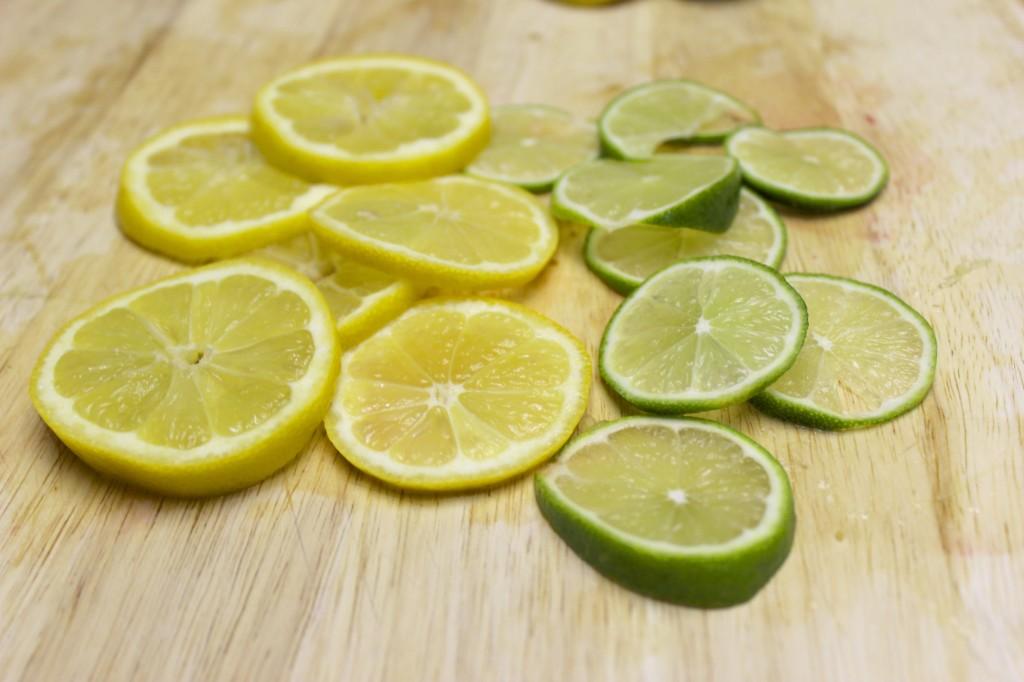 detox spa water strawberry mint lemon lime cucumber 11