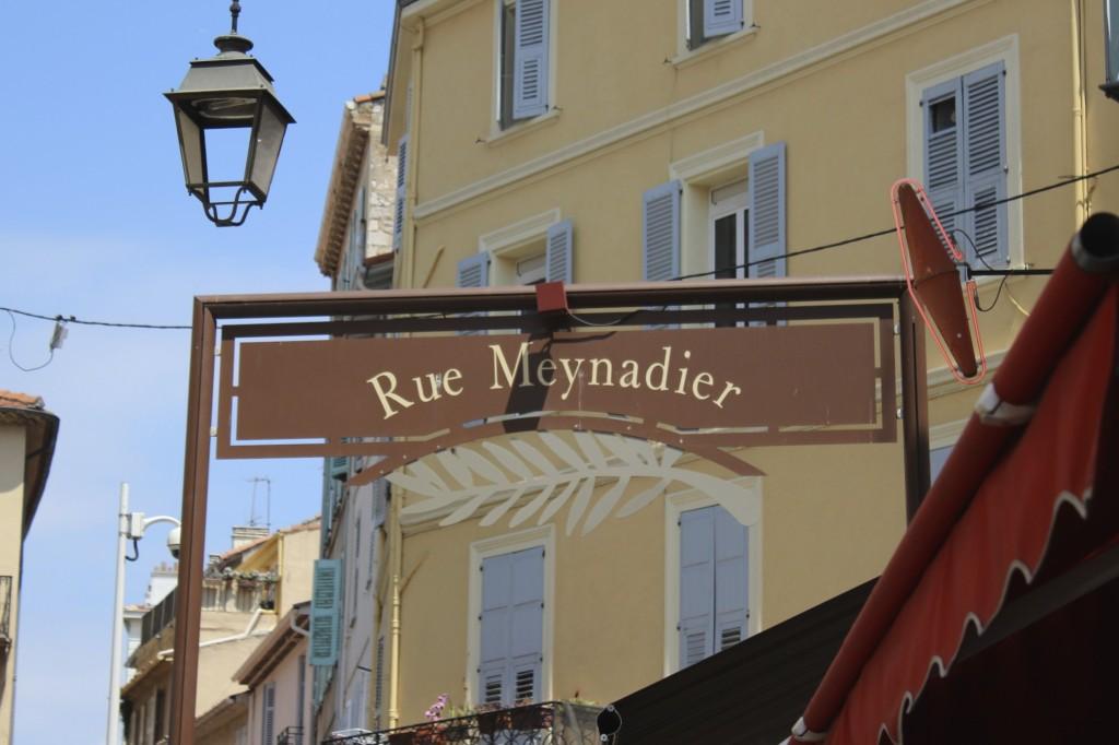 rue meynadier cannes france 68