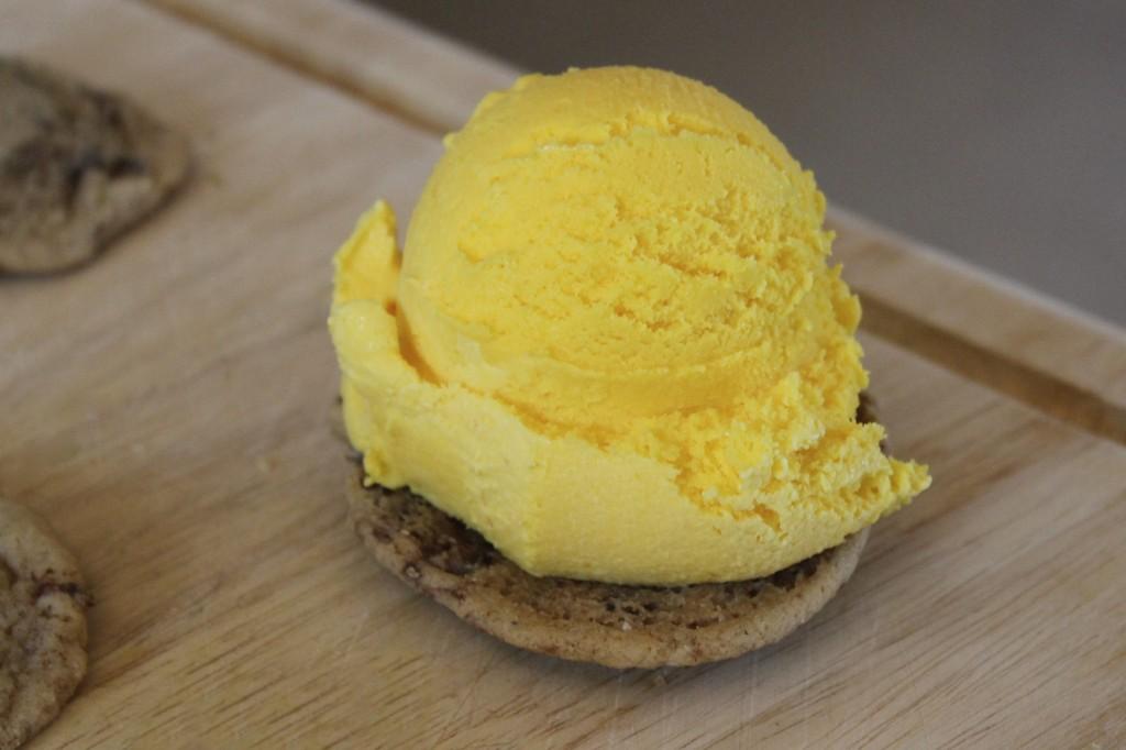 saffron date cardamom ice cream cookie 13