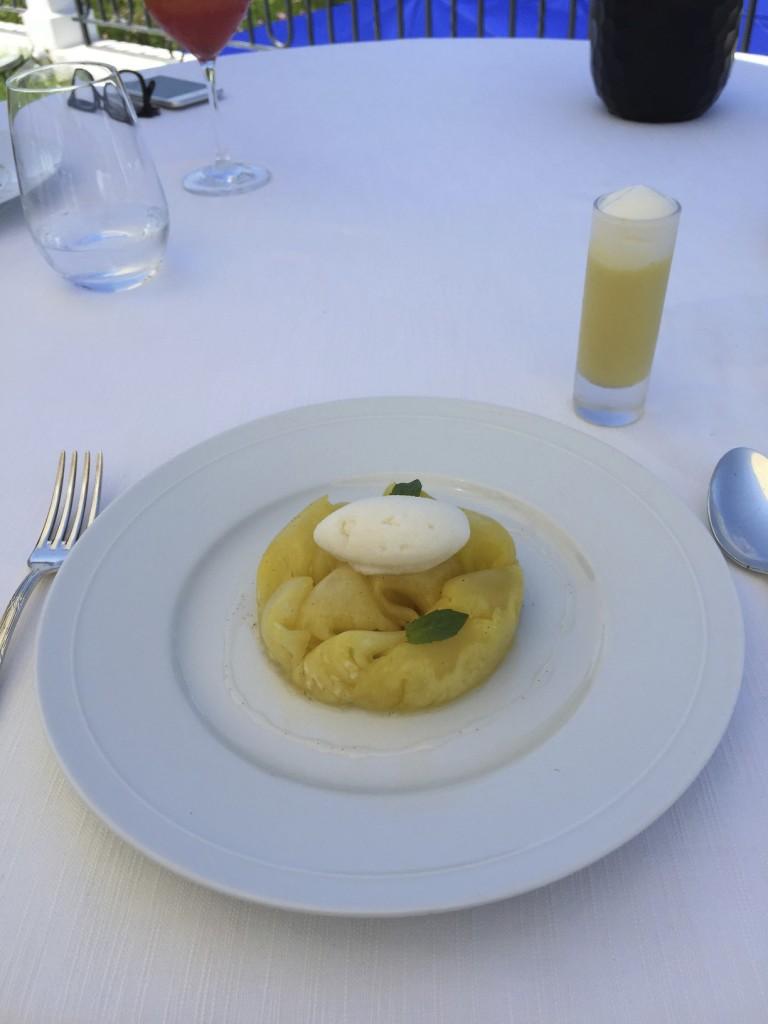 Belrose Hotel Restaurant 33