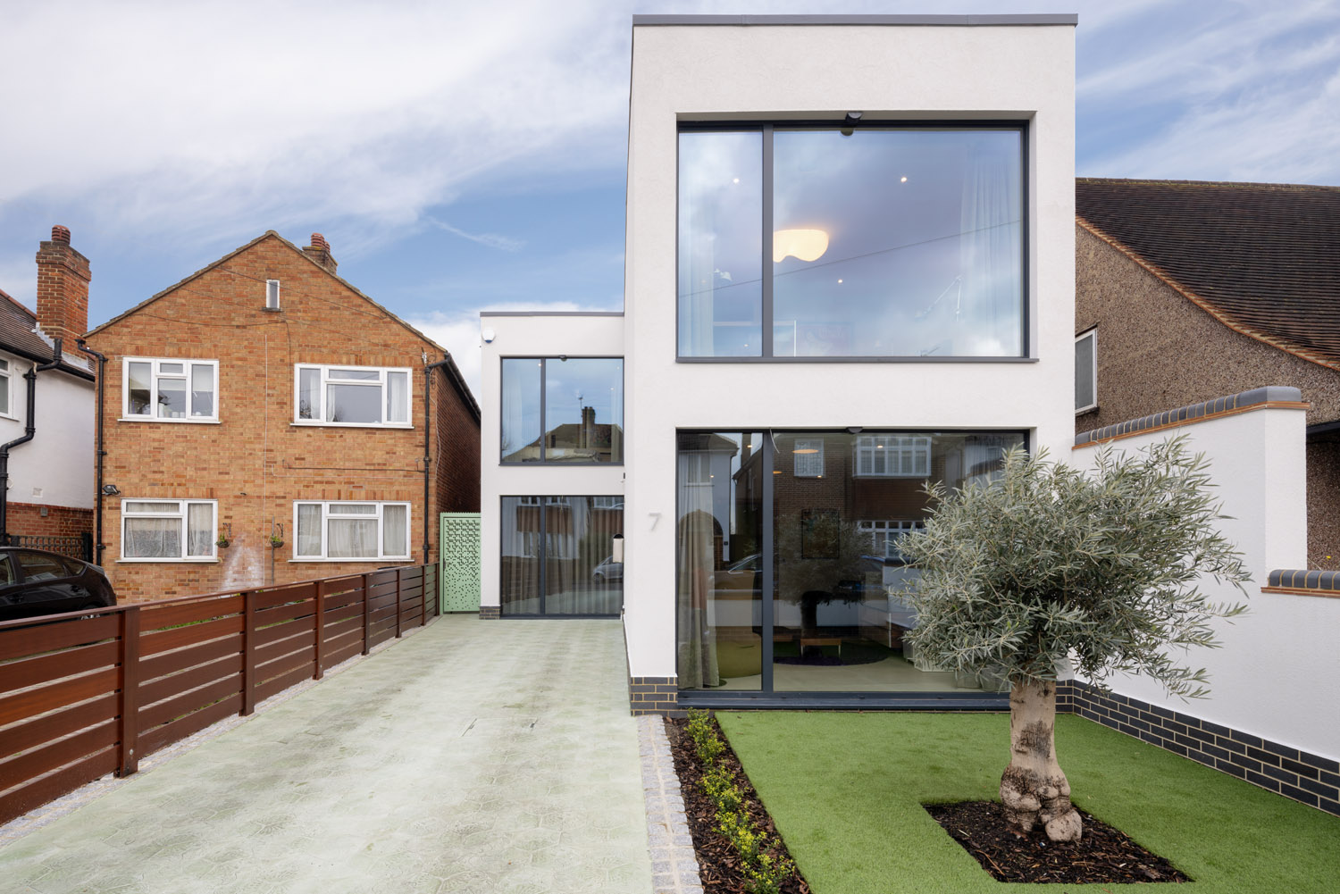 Westbury Road, New Malden, Surrey, KT3 - Photo by Joas Souza