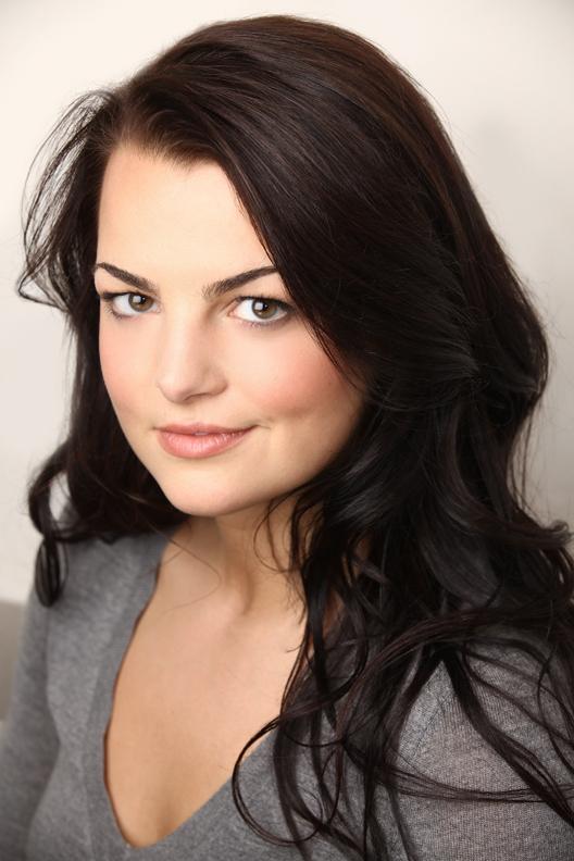 Kim Vogels as Audrey