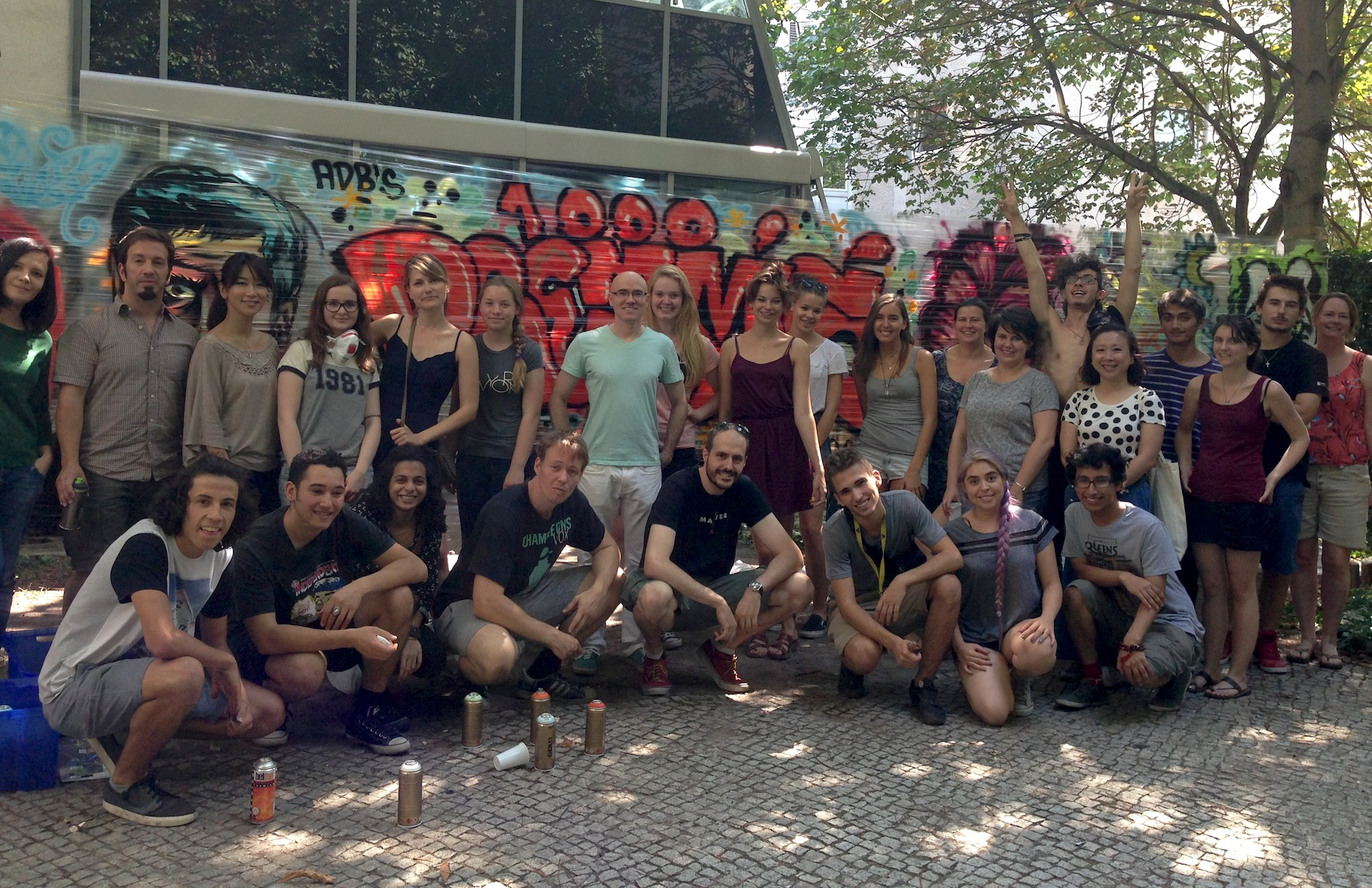 Here are some of the students, along with illustrator  Rafa Alvarez  (middle-front with black shirt) and  Felix Gephardt  (directly to the left of Rafa), a very talented Graffiti artist and illustrator.
