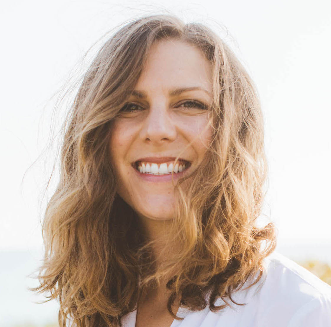 My name is Liz and I work with visionary womxn in a way that combines somatic coaching with soulful strategy, healing and empowerment. I'm here to support womxn in living and creating from a place of full embodiment, resilience, integration and divine connection.Why? Because I believe that when you are fully present in your body and your womxnhood, you find freedom - freedom to be fully present in your life, to be in connection with your emotions, to expand your capacity for love, pleasure, creativity, and to give more energy to your relationships, projects and authentic expression. And this world needs more womxn on the frontlines doing that, dammit. -