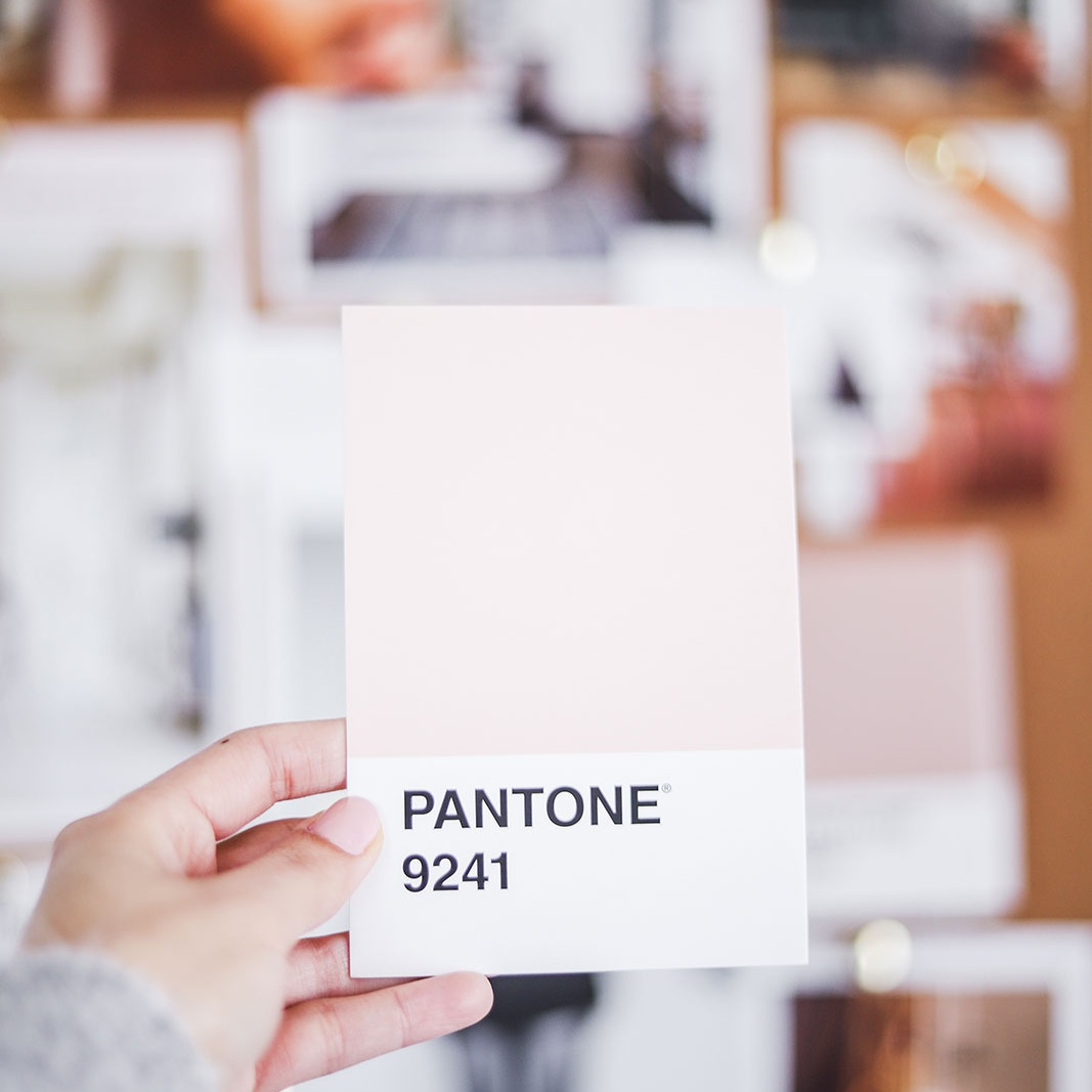 Does your brand make you look like the expert you are? - If your current brand makes your business feel pieced together instead of put together, I would love to help give you clarity, confidence and a cohesive online presence.