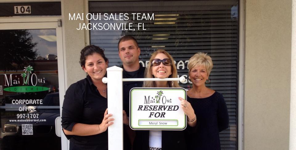 Team at Maui Oui in Jacksonville Fl.jpg