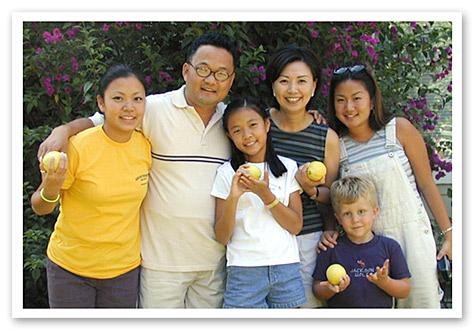 The Lee Family  1-15-10 Shakujii-Cho Nerima-Ku Tokyo, 177-0041, Japan  011- 81-33-996-0816  syunosimobe@yahoo.com   okckenlee@yahoo.co.jp