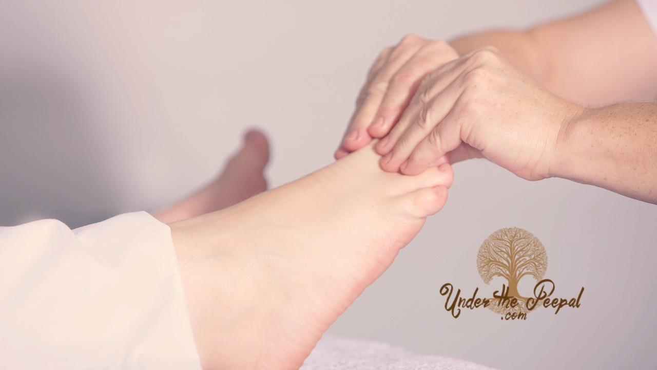 Massage-benefits-toxins-alternative-medicine.jpg