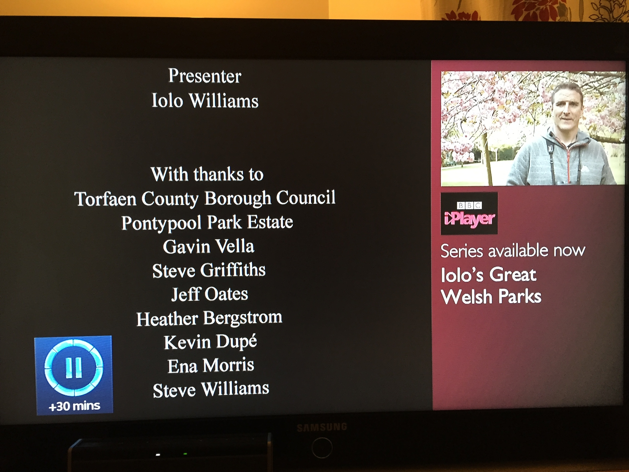 Iolo's Great Welsh Parks Credits