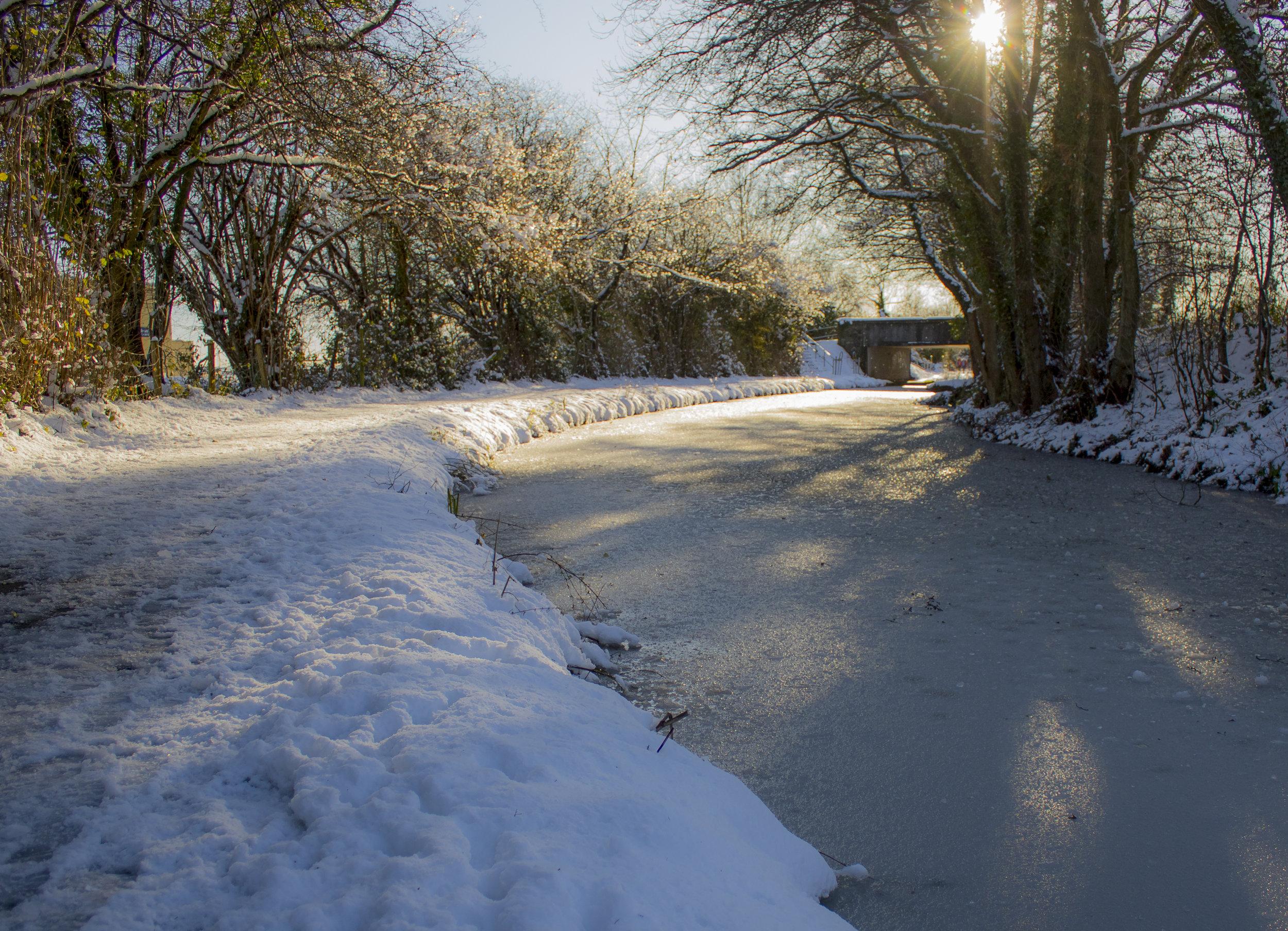 Canal Snow Sun 11th December.jpg