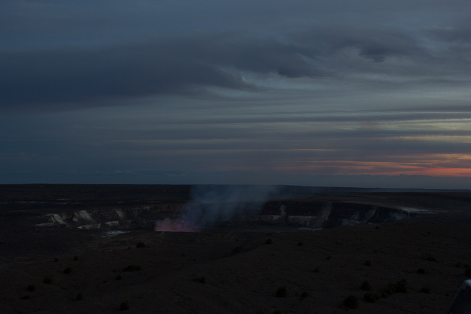 The sun began to set and things started getting a little more interesting as the first glow within the crater starts to appear! The clouds were definitely more interesting by now.