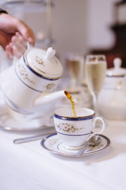 Sparkling High Tea! (Image courtesy Hadley's Orient Hotel)