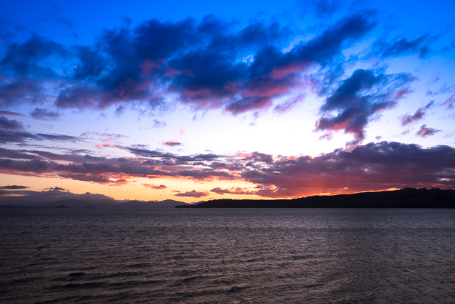 Amazing sunset from the northern shore, although the wind was so strong it was impossible to get a sharp image