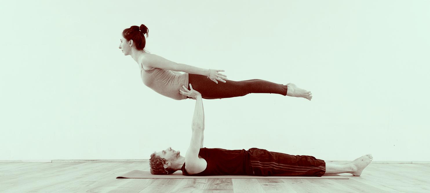 Akro Yoga in Zürich – Salvatore Daniele – Das Yoga Haus