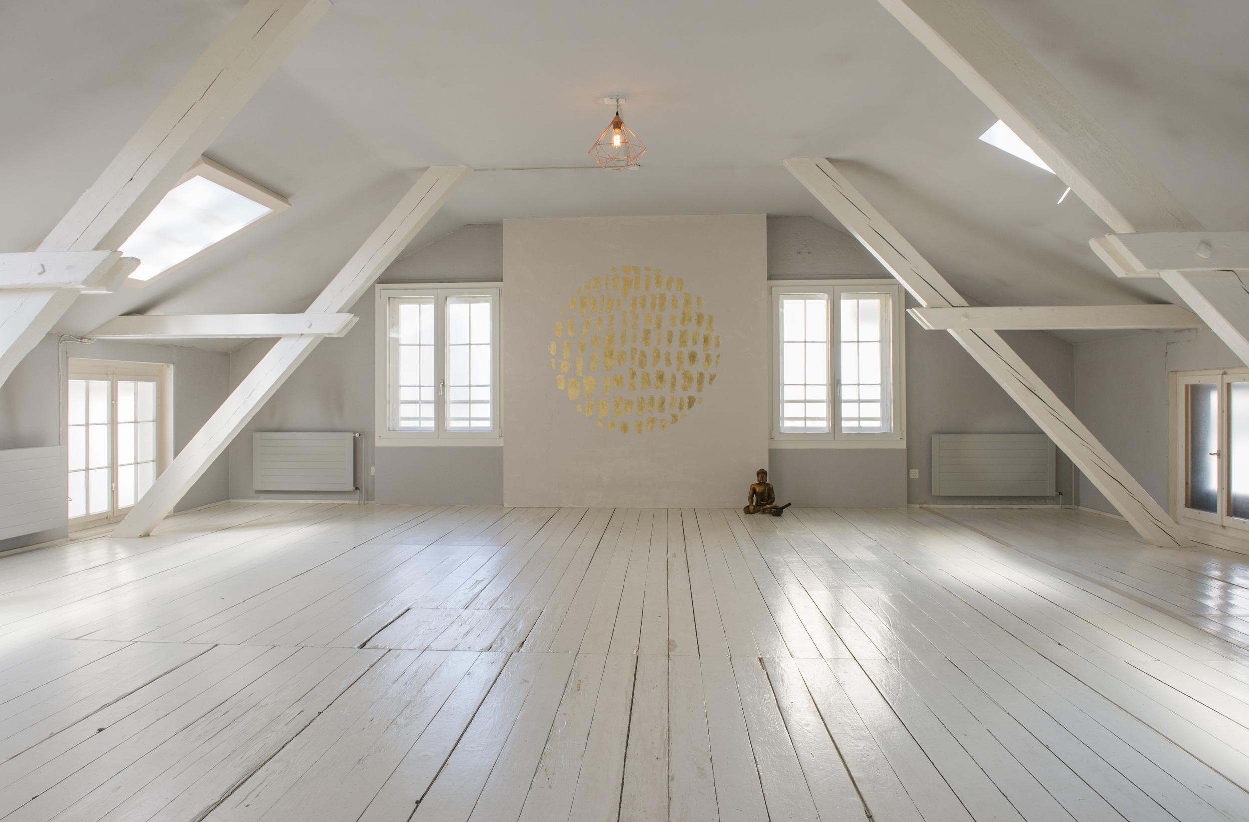 Ruhe tanken im Raum der Stille – Das Yoga Haus Zürich