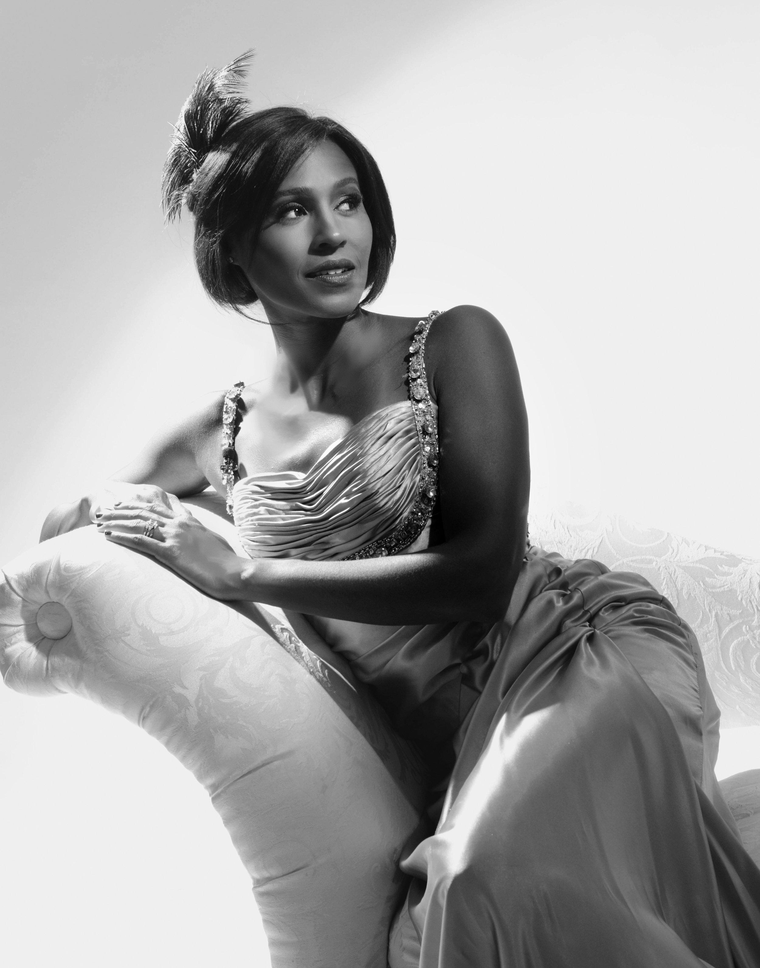 Shayna Seymour  MUAH:Rachel  Rietta