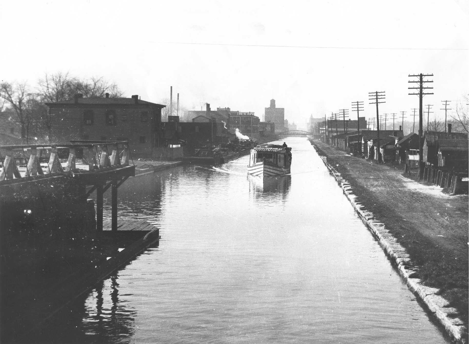 Erie Canal, Looking West 1917