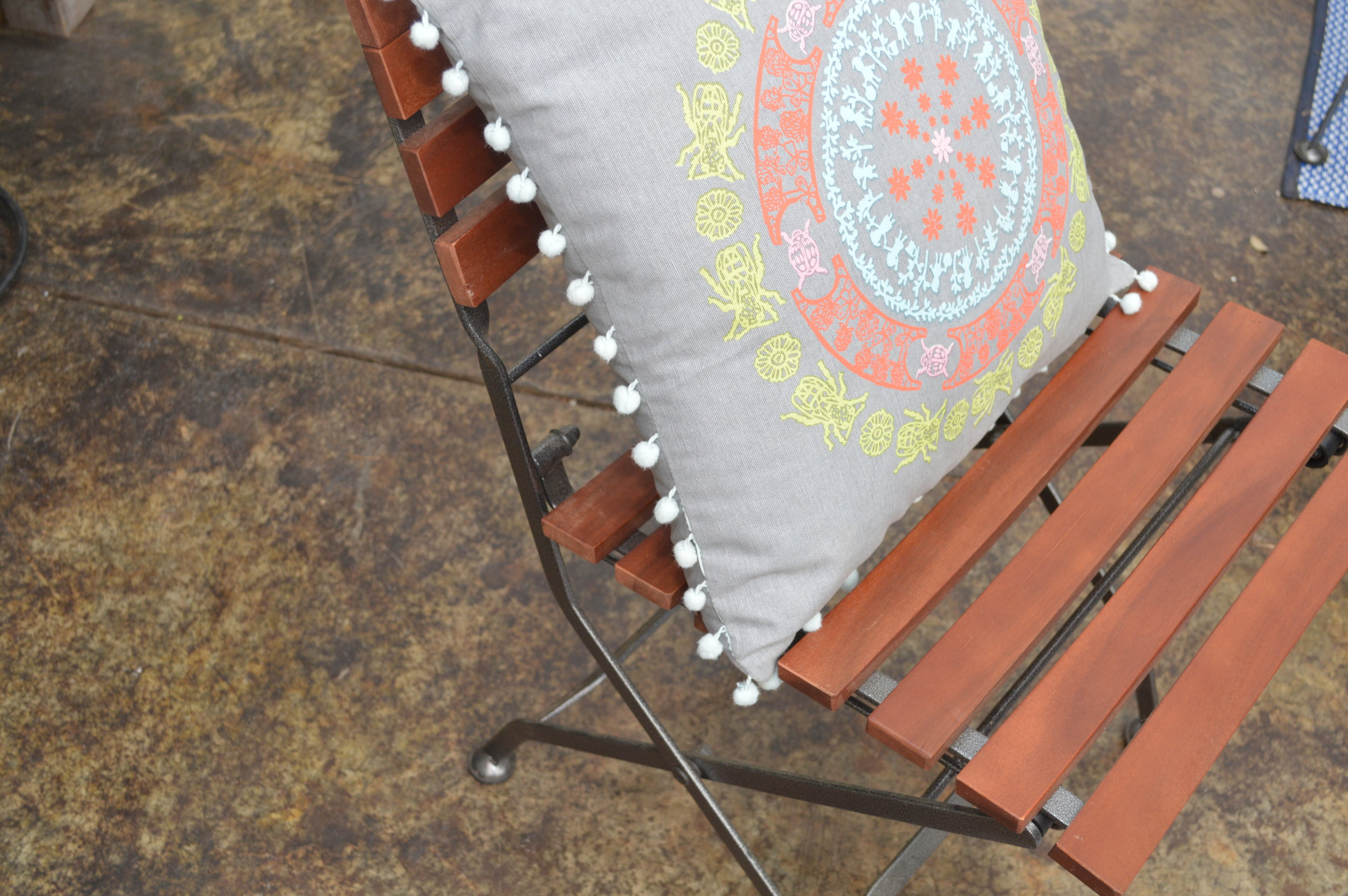 Porch & Lawn Furniture