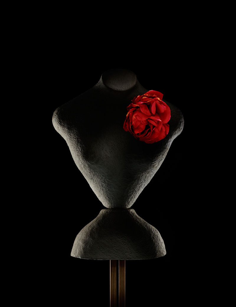 MANNEQUIN-FERME-with-Rose.jpg