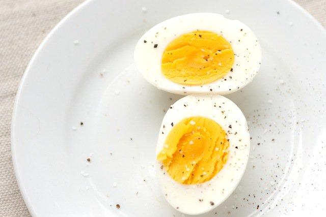Easy Breakfast Ideas: Hard Boiled Eggs + Salsa - The P.E. Club