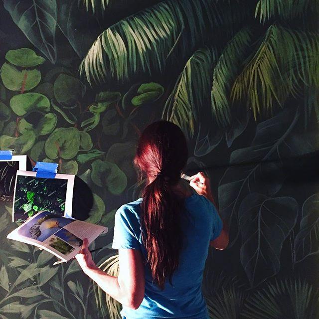 Serene moments of painting #tropicalplants #mural for @lisagilmoredesign @stephenshtg for new bar concept #novacancy in #downtownstpete  #workinprogress #fineartmurals #artistlife #palmtrees #foliage #artprofessional #greenery #alwayshandpaint #tropical #florida