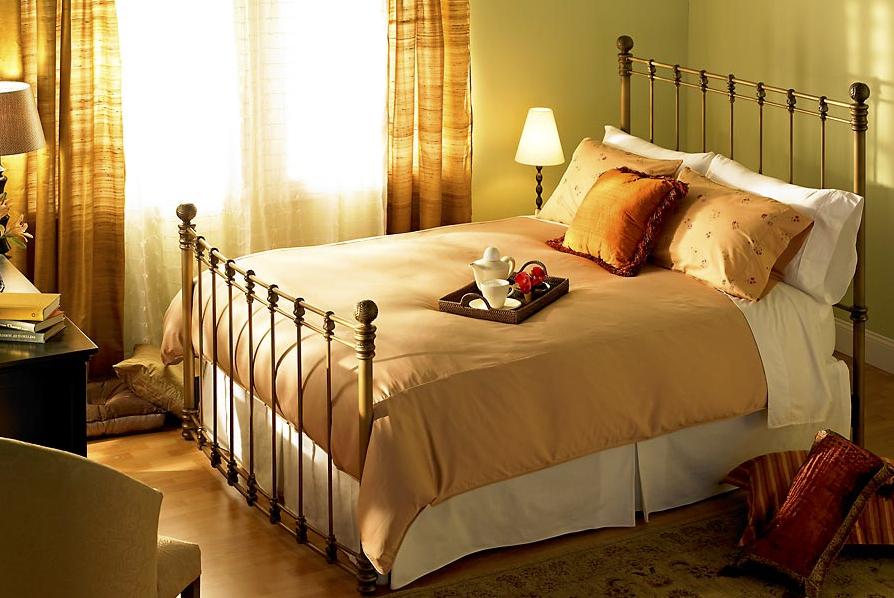 Wesley Allen Bed 2.jpg