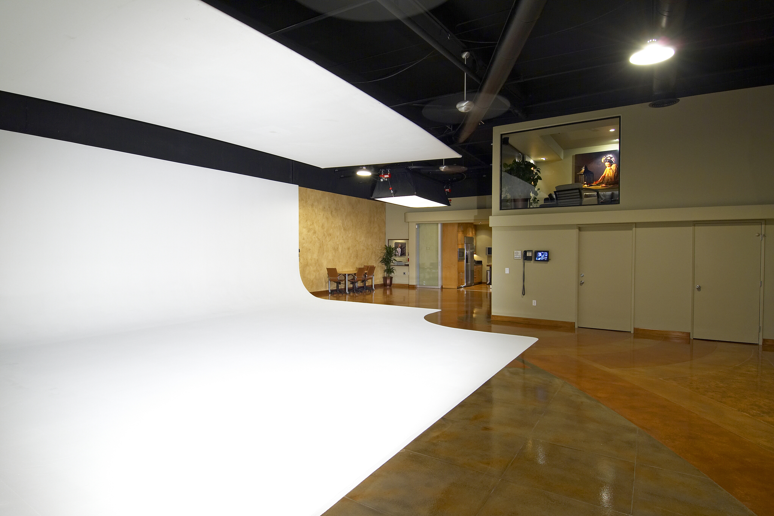 Studio 4.jpg