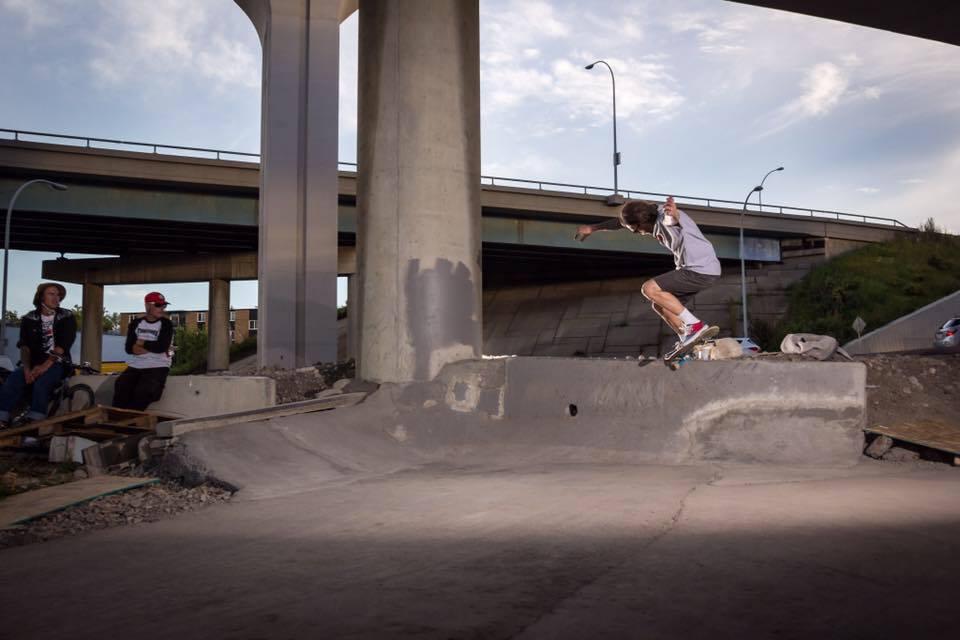 Dan Robinson crooked grind at The Bridge DIY spot. Photo:Jade Hertz