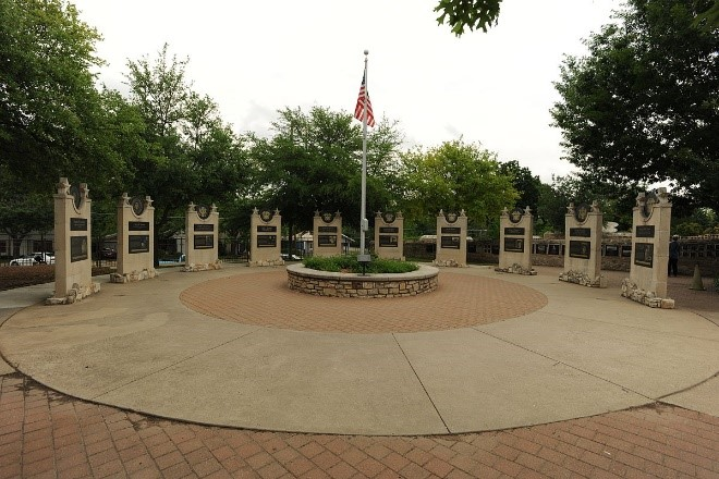 National-Museum-of-the-Pacific-War_Plaza-of-Presidents.jpg
