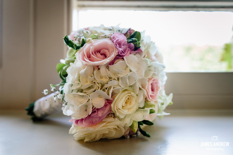 De vere Cranage Hall flowers in window