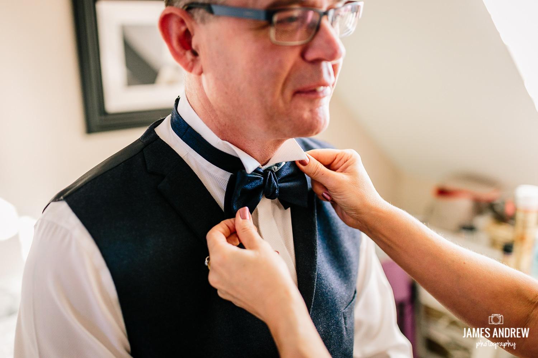 fixing bow tie